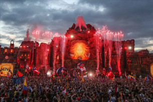 What The Ass Eating At TomorrowWorld Says About American Dance Culture